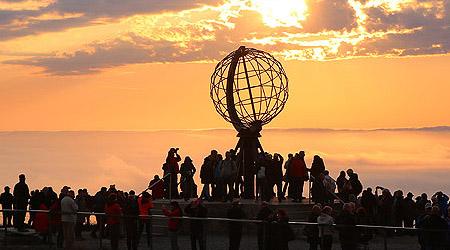 Nordkapp ligger på 71° nord, og er kjent som det nordligste stedet i Europa. På toppen av en 307 meter høy klippe finner man Nordkapplatået, med globusen som har blitt […]